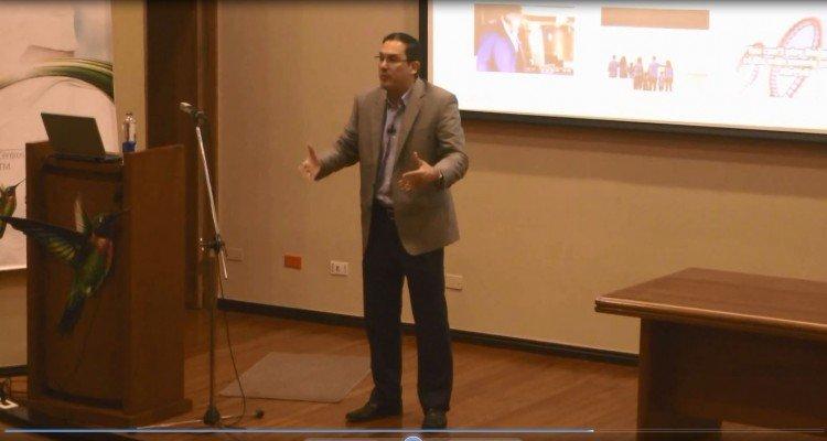 Juan Carlos Mejía Llano hablando de marca personal